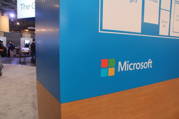 Microsoft-sign-Build-2016-2-930x620.jpg